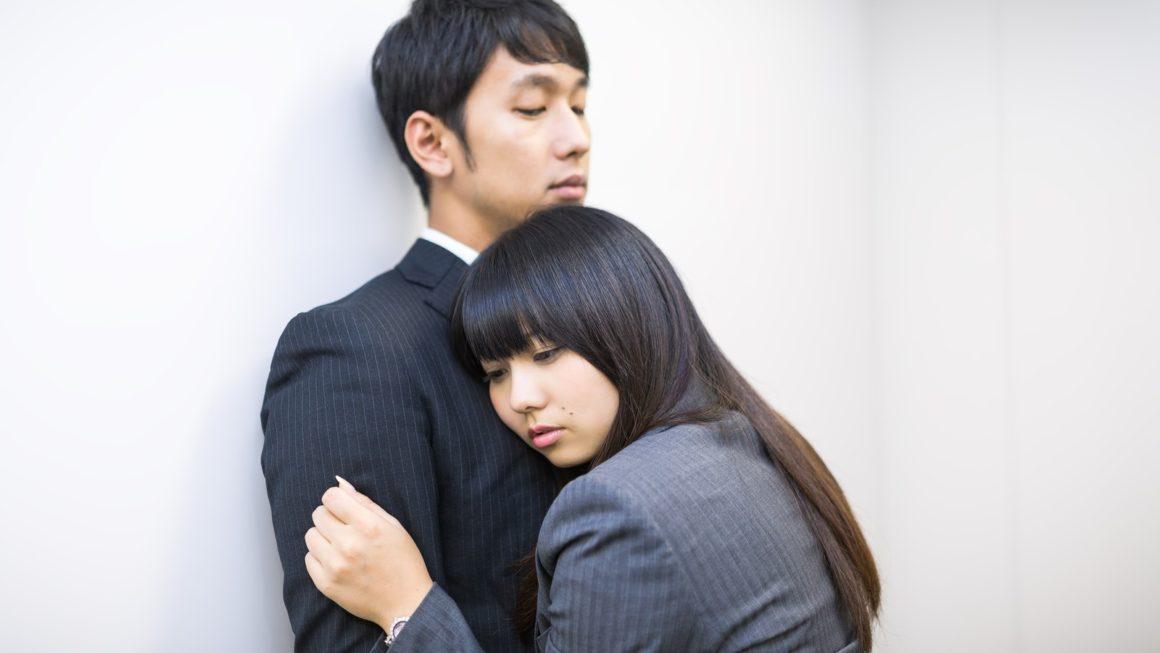 年輕的女秘書愛上了我老公,我差點就失去一切…