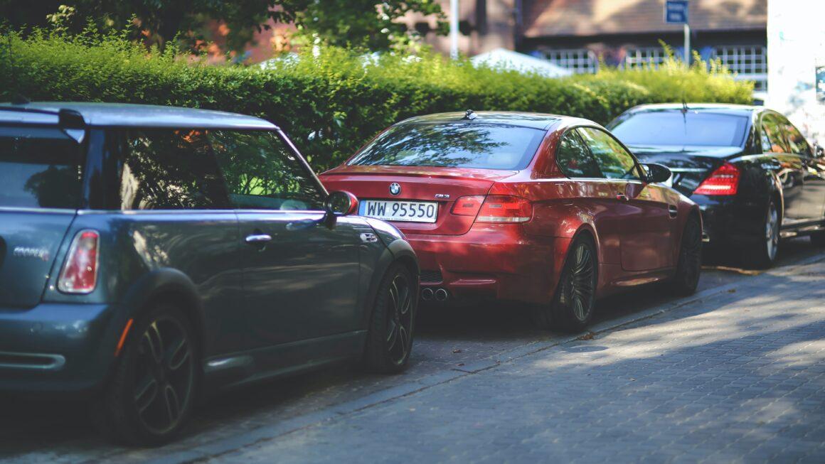 論及婚嫁的男友原來有兩台名車,一台是偷吃用的。